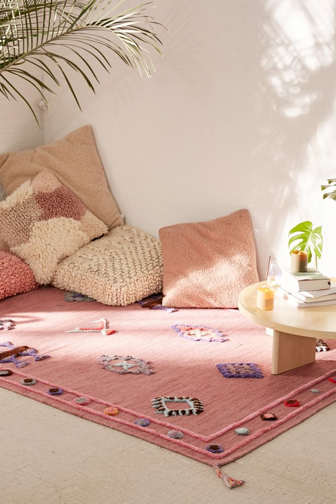 Happy As Annie | 7 Meditation Room from Pinterest You Ned to Copy - and how to get the look! (Urban Outfitters pink embroidered rug and cushions on floor)